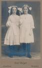 Weisser Sonntag - Zwei Mädchen
