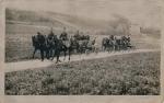 Militär mit Pferd und Wagen