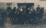 Militär zu Pferd