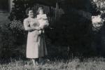 Frau mit Kleinkind