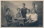 Sechs Frauen